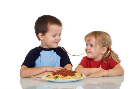 Makaronowe czary – mary, czyli makarony w diecie dzieci
