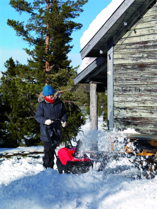 Bezpieczny chodnik po opadach śniegu