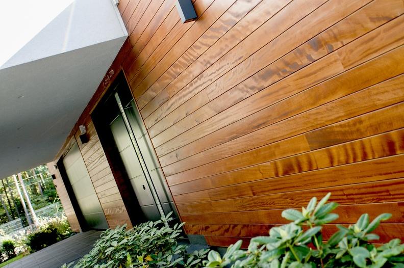 Daj drewnu odetchnąć, czyli o widocznych zaletach montażu niewidocznego
