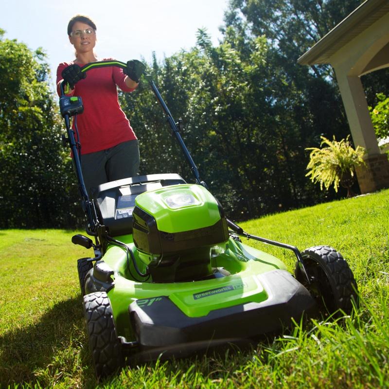 Ekologicznie i wydajnie – akumulatorowe kosiarki ogrodowe