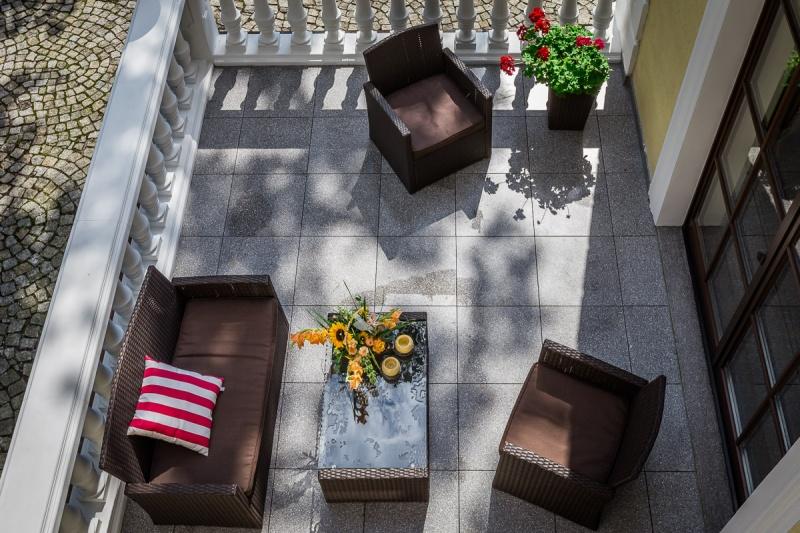 Jakie płytki wybrać na balkon?