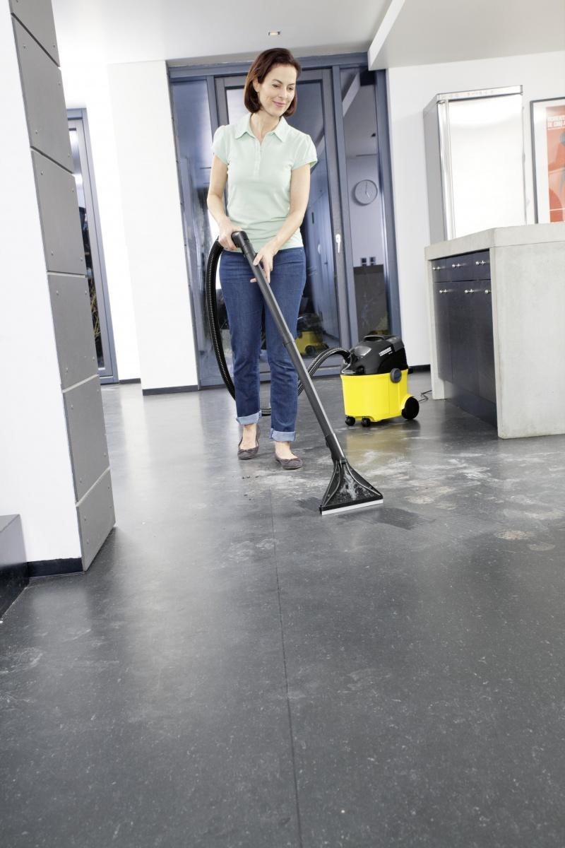 Kompleksowe czyszczenie wnętrz urządzeniami Kärcher