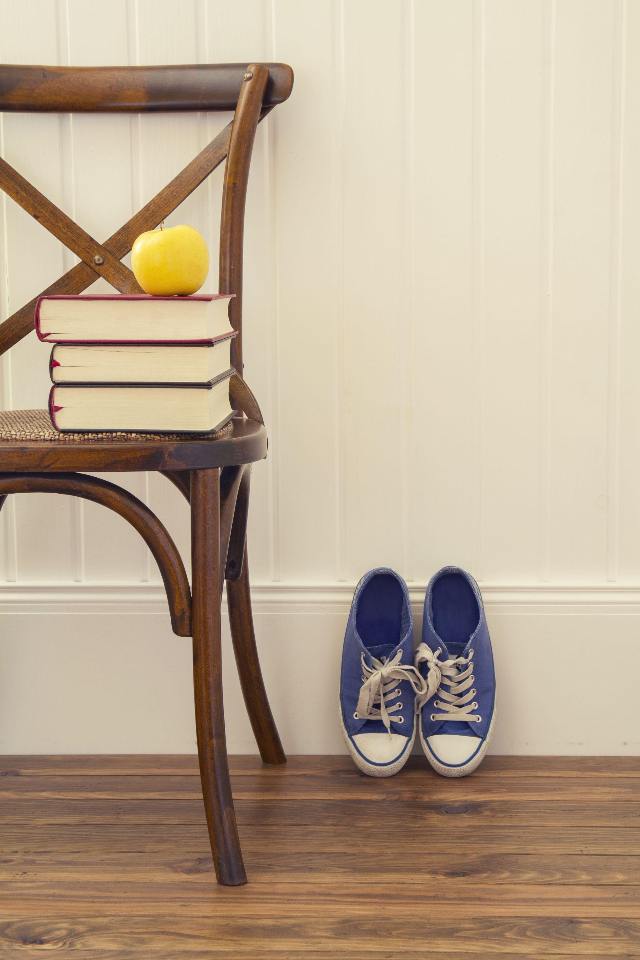 Nowoczesna lamperia – sposób na eleganckie i czyste ściany