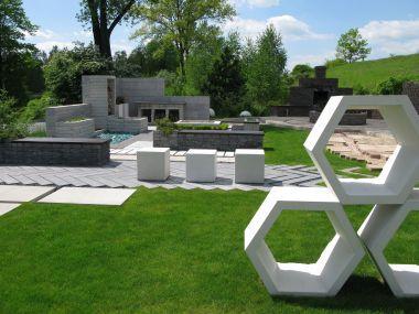 Nowy wymiar betonu – mała architektura z linii Libet Stampo