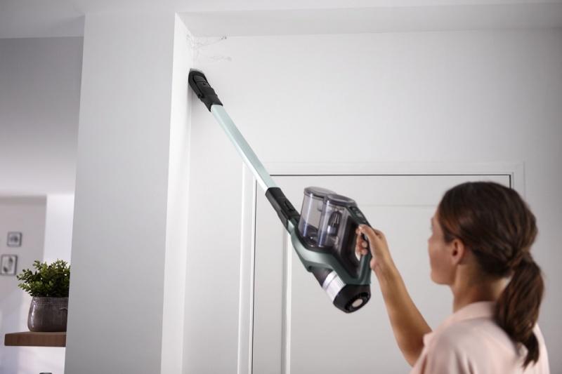Odkurzacz bezprzewodowy z funkcją mycia i systemem AquaBoost
