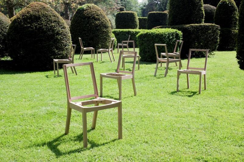 Opowieść o 13 drewnianych krzesłach