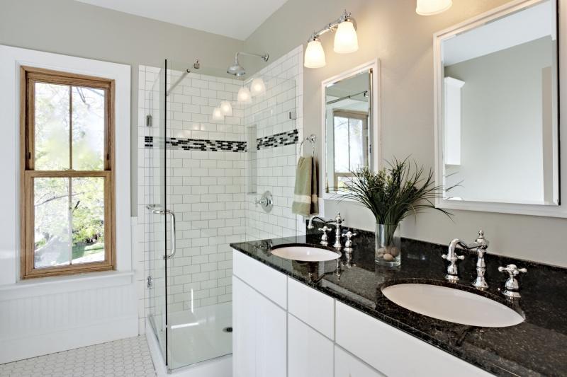 Powrót do natury – piękno granitu inspiracją na nową łazienkę