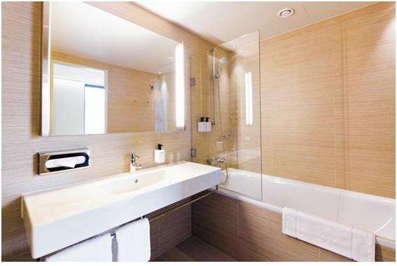 Proekologiczny aspekt urządzania hotelowych łazienek