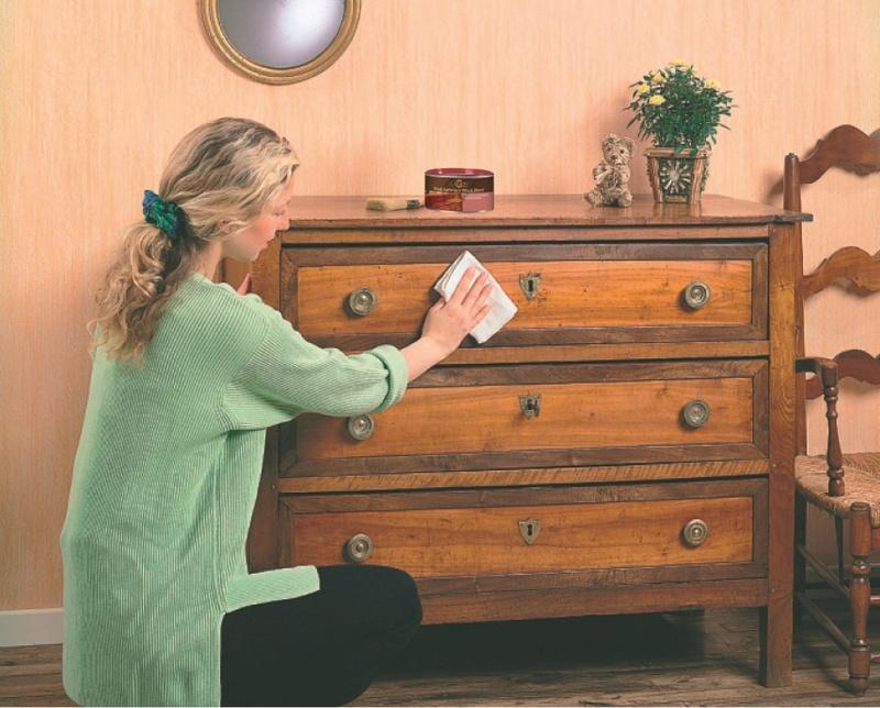 Przywracamy drewnianym meblom dawny blask