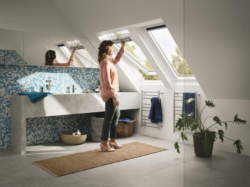 Trzyszybowe okno dachowe VELUX do łazienki i kuchni