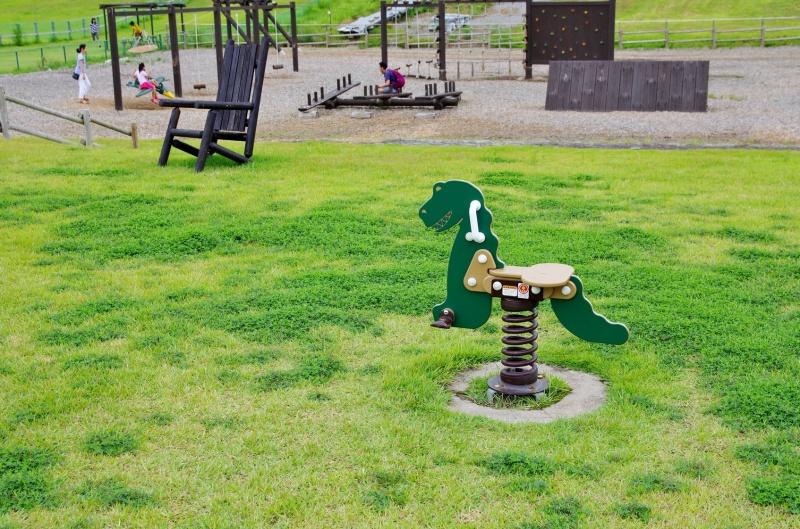 W ogrodowym królestwie zabawek dla dzieci