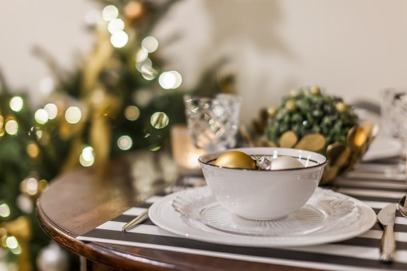 Złoto i zieleń – zgrany duet w świątecznej aranżacji wnętrz
